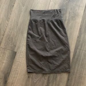 Aritzia Wilfred taupe skirt size XXS-S
